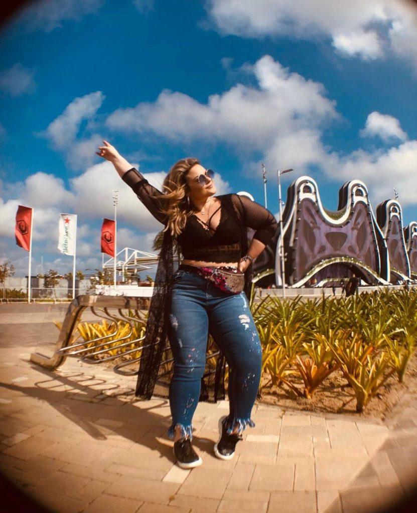Aline Zattar usa look rocker com peças da Predilect's Plus para o Rock in Rio