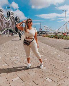 Bruna Rêgo usa look esportivo com peças da Predilect's Plus para o Rock in Rio